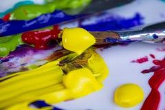 Краски и щетки Стоковое фото RF