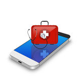 Красная бортовая аптечка с стетоскопом на smartphone, illu сотового телефона Стоковое фото RF