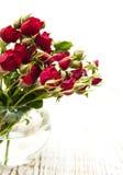 красная ваза роз Стоковые Фото