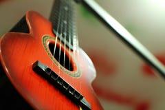Красная гитара Стоковые Изображения RF