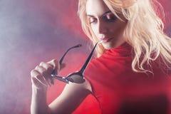 красная женщина стоковые изображения rf