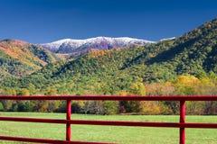 Красная загородка на майне искр Стоковое Фото