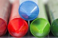 Красная зеленая голубая съемка макроса crayons Стоковые Изображения RF
