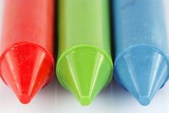 Красная зеленая голубая съемка макроса crayons Стоковое фото RF