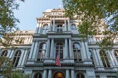 Красная линия тропки свободы - здание муниципалитет владением Бостона Стоковые Изображения RF