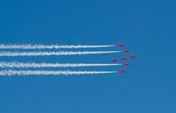 Красная команда дисплея стрелок стоковое изображение rf
