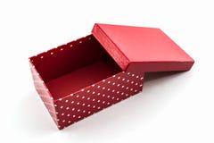 Красная коробка точек польки, с путем клиппирования стоковое изображение