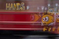 Красная долгая выдержка трамвайной линии Стоковые Изображения RF