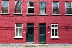 Красная предпосылка кирпичного здания Стоковое Фото