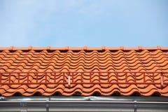 красная плитка крыши Стоковые Изображения RF