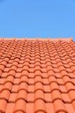 Красная плитка текстуры крыши Стоковые Фотографии RF