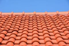 Красная плитка текстуры крыши Стоковые Изображения RF