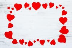 Красная рамка сердец с космосом текста, карточкой валентинки Стоковая Фотография
