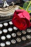 Красная роза на машинке Стоковая Фотография RF