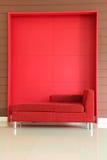 Красная софа Стоковые Изображения