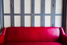 красная софа Стоковое Изображение