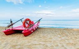 Красная спасательная лодка Стоковая Фотография RF