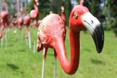 Красная статуя фламингоов Стоковая Фотография RF