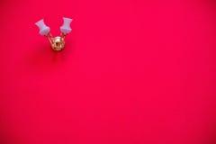 Красная стена ткани с лампой Стоковая Фотография RF
