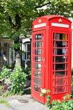 Красная телефонная будка в Великобритании стоковое фото rf