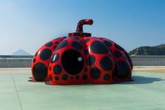 Красная тыква Yayoi Kusama стоковое фото rf
