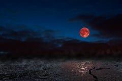 Красная луна - bloodmoon Стоковое Изображение