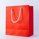 Красная хозяйственная сумка стоковое изображение
