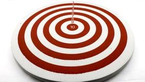 Красная цель дротика стоковое изображение