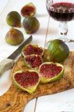 Красное вино и зрелые смоквы Стоковые Фотографии RF