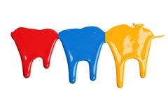 Красное, голубое, и желтое капание краски стоковые фотографии rf