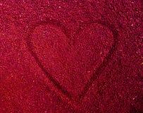Красное каменное сердце в точных камнях стоковые изображения rf