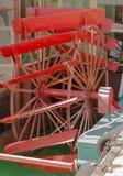 Красное колесо затвора речного судна Стоковые Фото