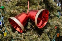 Красное Кристмас колоколы Стоковое Фото