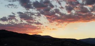 Красное небо, живые цвета 2 стоковое изображение