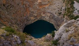 Красное озеро Crveno Jezero Хорватия стоковая фотография rf