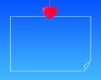 Красное письмо смертной казни через повешение зажимки для белья формы сердца Стоковая Фотография