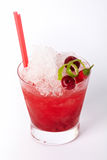 Красное питье коктеиля с льдом, известкой, вишней и chili Стоковое Изображение RF