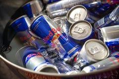 Красное питье энергии Bull стоковая фотография