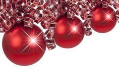 Красное рождество орнаментирует курчавые ленты Стоковое фото RF