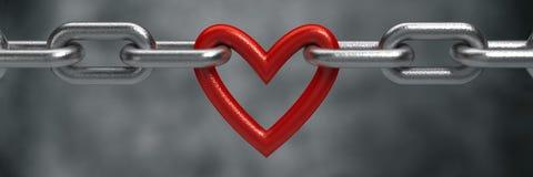 Красное сердце держало стальной цепной предпосылкой Стоковая Фотография RF