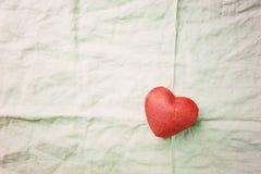 Красное сердце ткани стоковое изображение rf
