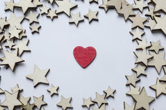 Красное сердце около белых звезд Стоковые Фотографии RF