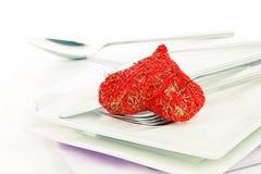 Красное сердце с вилкой Изображение концепции для обедающего валентинки Стоковые Фотографии RF