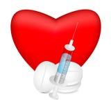 Красное сердце с шприцем и пилюльками Стоковые Фото
