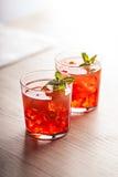 Красное холодное питье коктеиля лета Стоковое Изображение