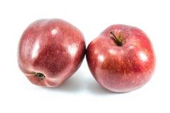 Красное яблоко на белой предпосылке Стоковое Изображение