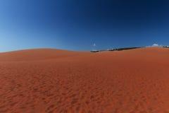 Красное villiage Ne Mui песчанных дюн, Вьетнам Стоковые Изображения RF