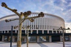 Краснодар, Россия - 21-ое февраля 2017: Припаркуйте деревья явора перед стадионом FC Краснодаром 21-ого февраля 2017 Стоковая Фотография RF