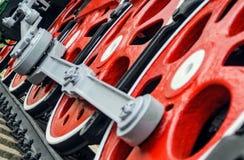 Красные большие колеса астрагала Стоковая Фотография