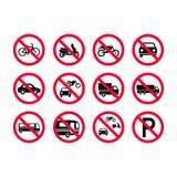 Красные знаки кораблей запрета Отсутствие моторных транспортов, отсутствие велосипедов, отсутствие автомобилей Тележки, шины, жил иллюстрация штока